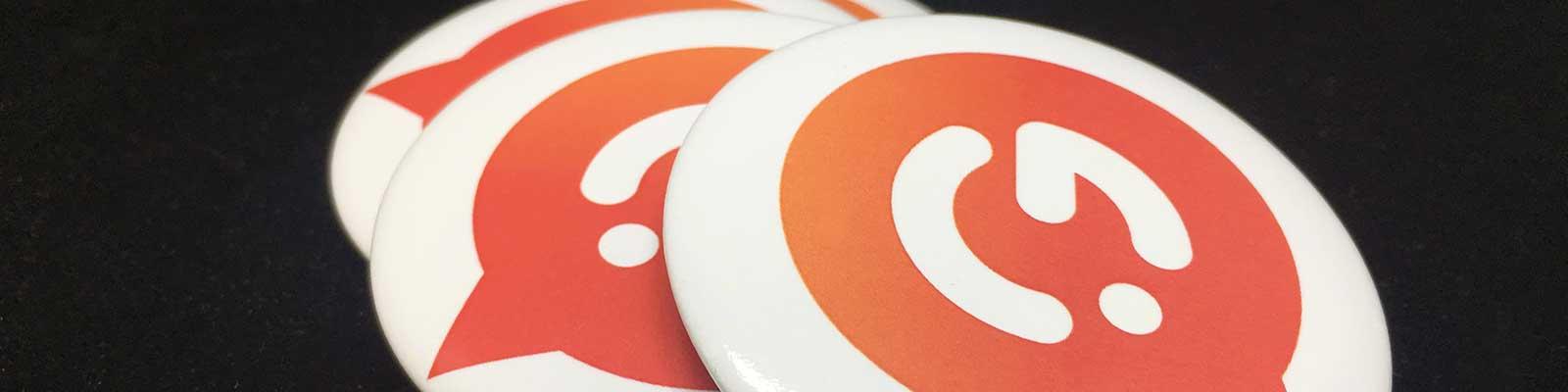 Goodies promotionnels - Badges personnalisés - Garment Printing
